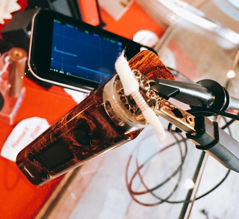 電圧計測の様子